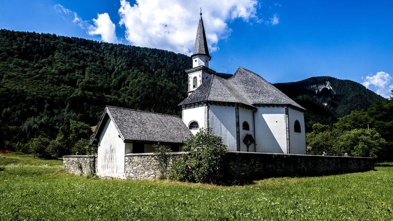 Chiesa di s gottardo a bagni di lusnizza discover alpi - Bagni di lusnizza ...